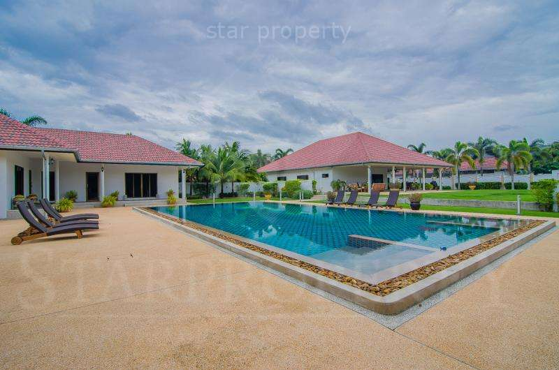 Unique 5 Bedroom Villa for sale at Hua Hin Soi 6