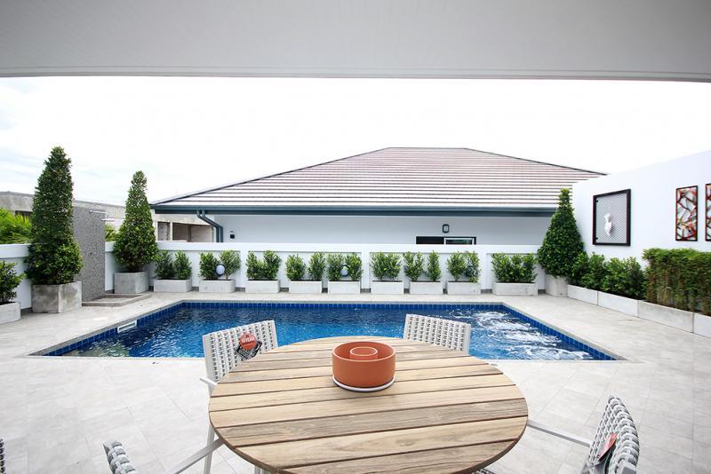 Sunset villa on Hua Hin soi 70