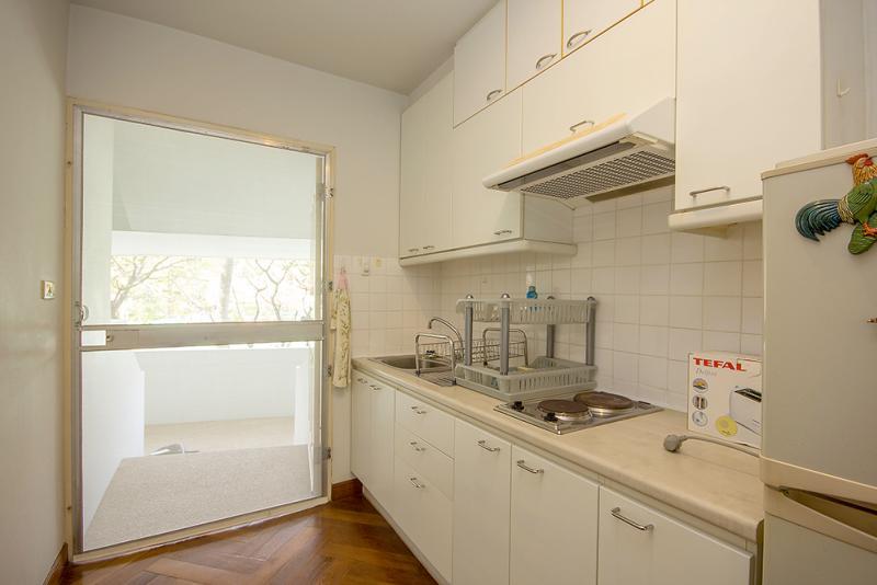 Condo with kitchen in Takiab