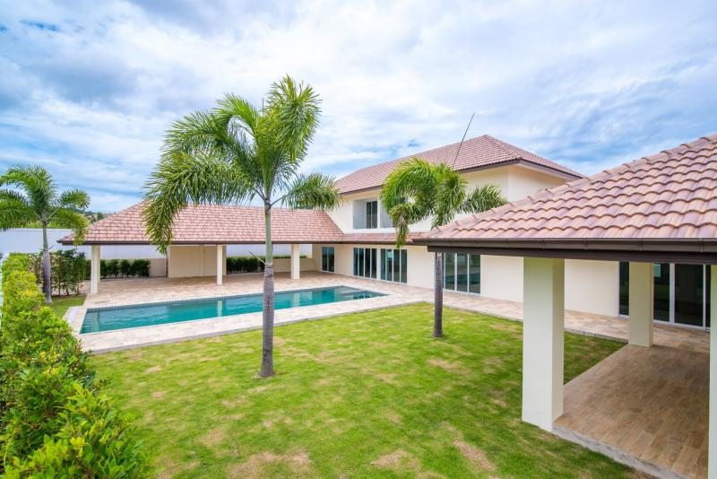 Spacious 5 Bedroom House at Hua Hin Soi 88