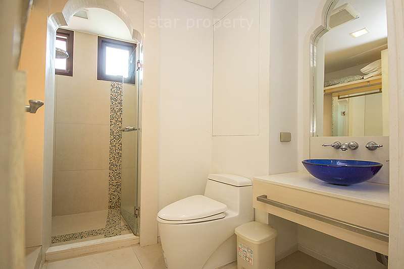 condo for rent with swimming pool