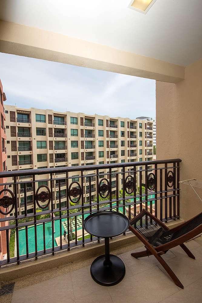 Garden view balcony condo rent