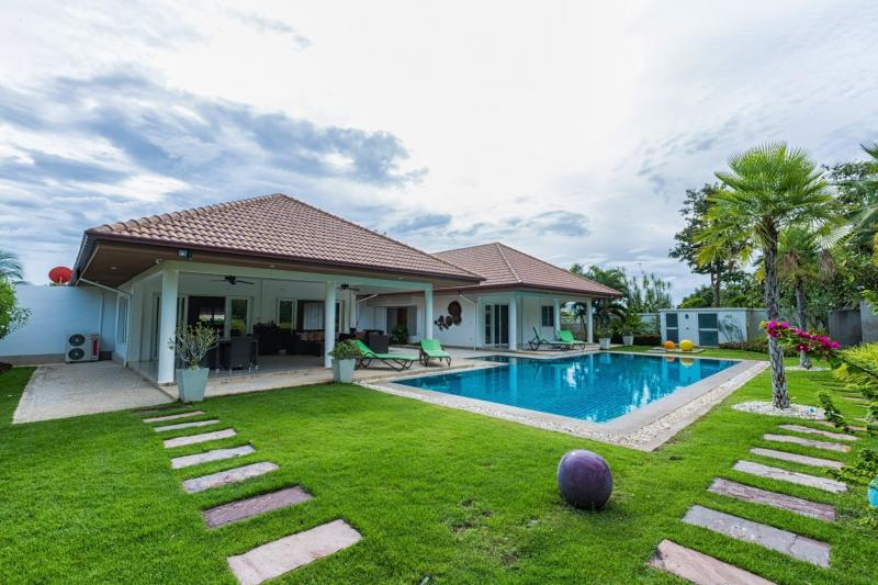 4 Bed Pool Villa on Large Plot at Orchid Palm Home 6, Soi 88