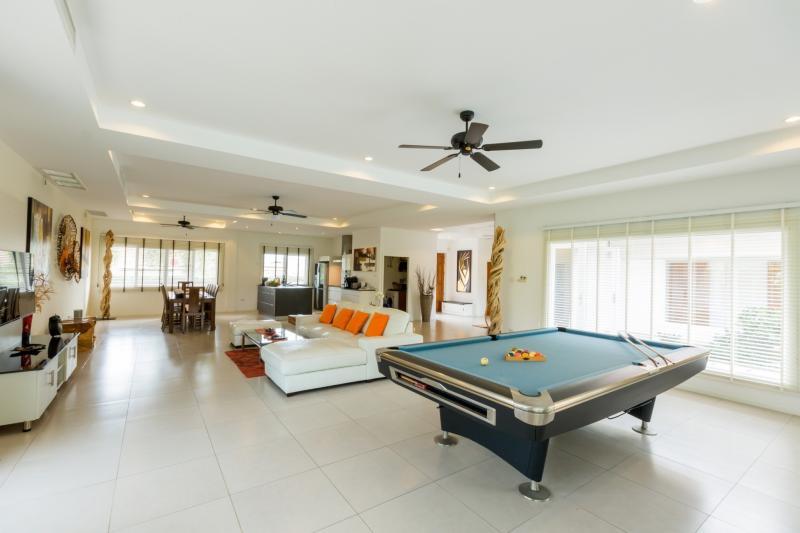 Orchid palm villa for sale