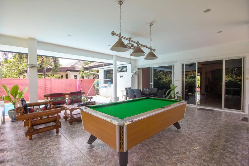 Villa for sale with pool table