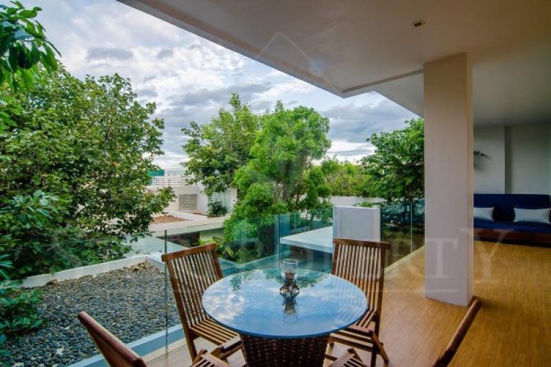 Kehadfa villa for sale