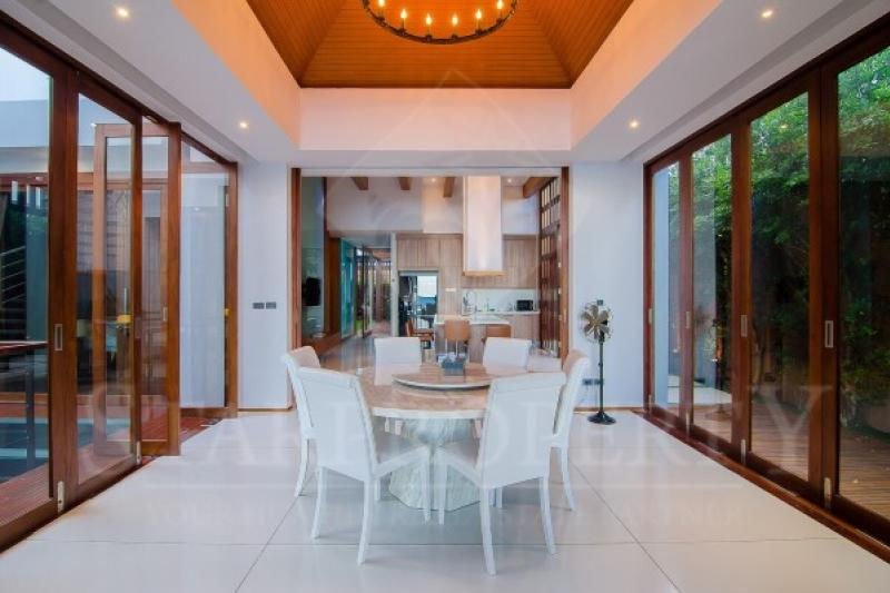 Amazing dining room