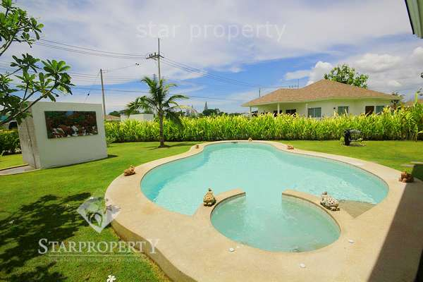 Bali style pool villa for rent
