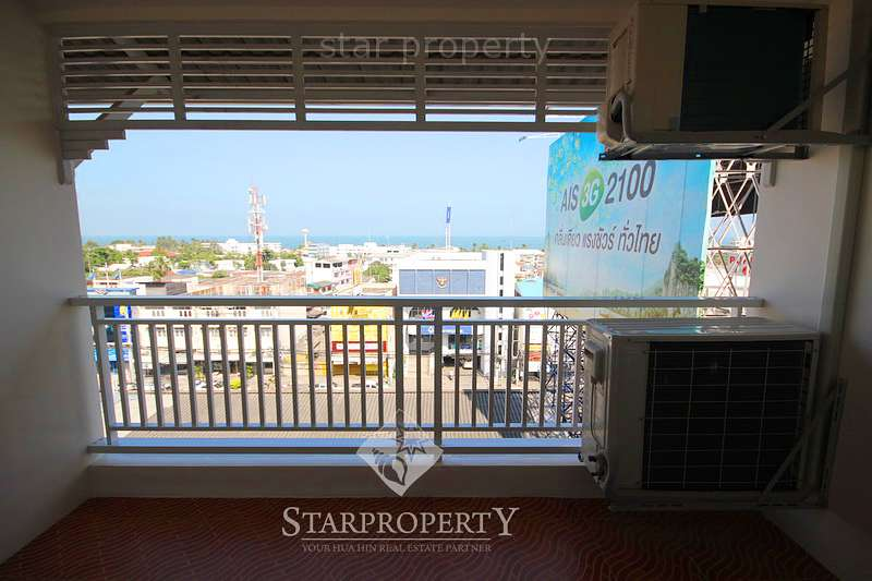 Downtown 1 Bed Condo w/ Sea View at Baan Klang