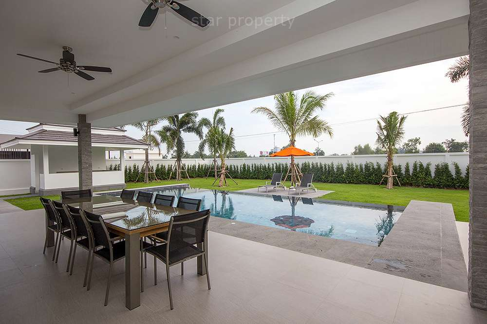villa for sale hua hin with large pool