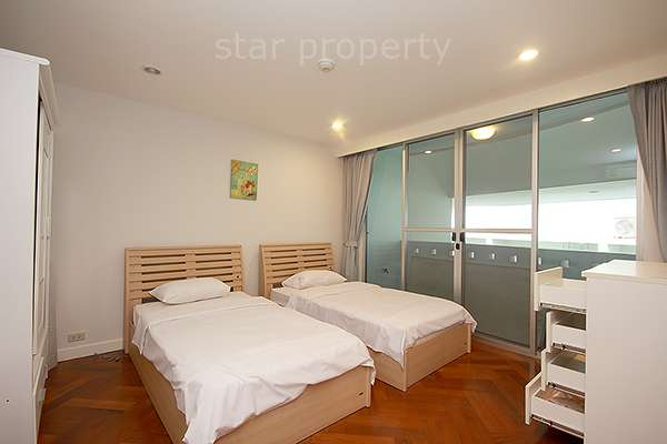 large space 2 bedroom condo for rent