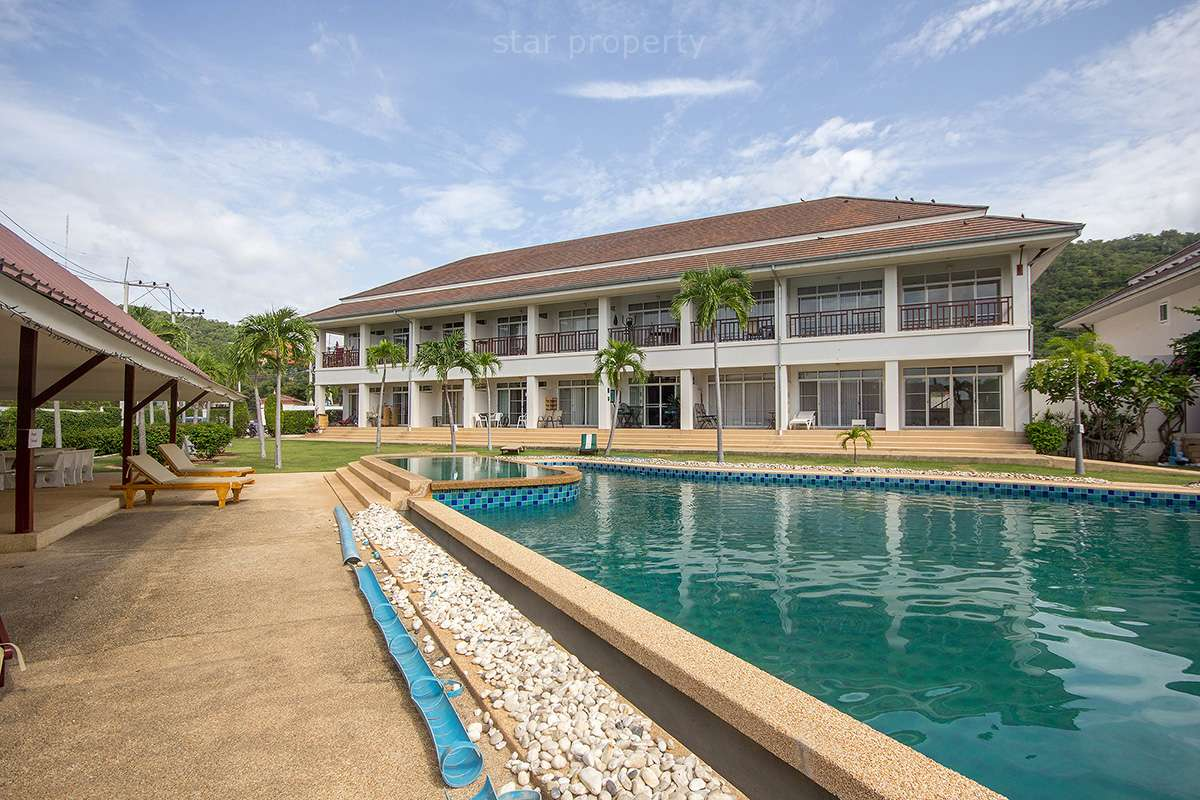hua hin center townhouse for sale