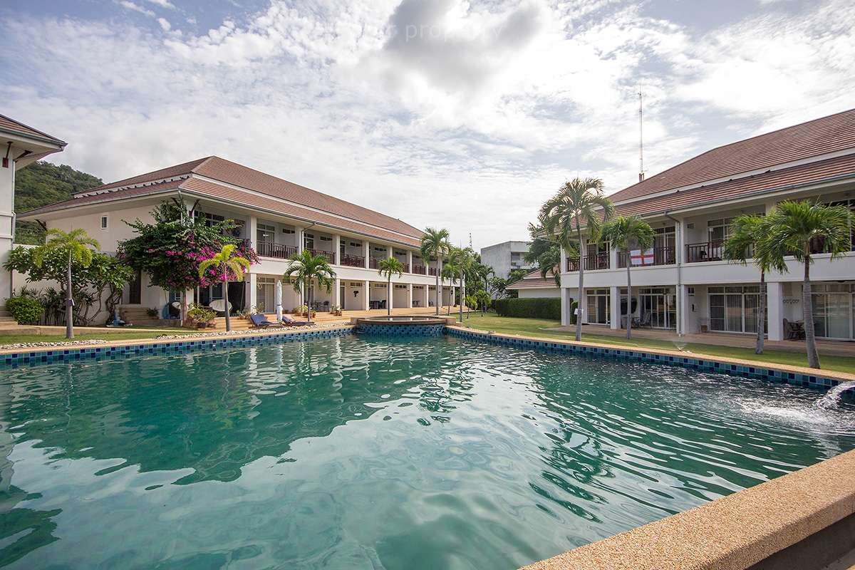 pool view townhouse 2 bedroom for sale