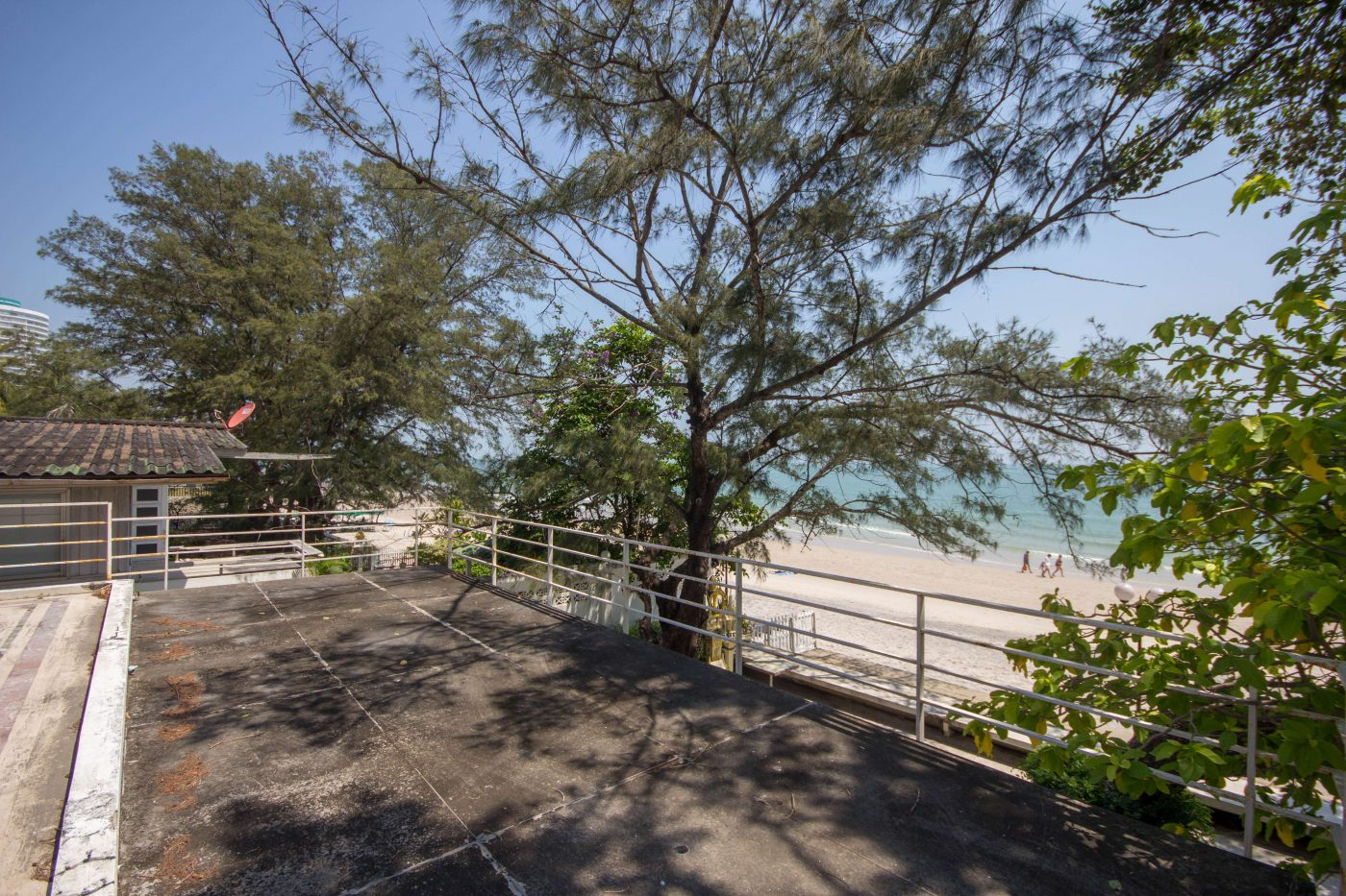 Good area see the beach front