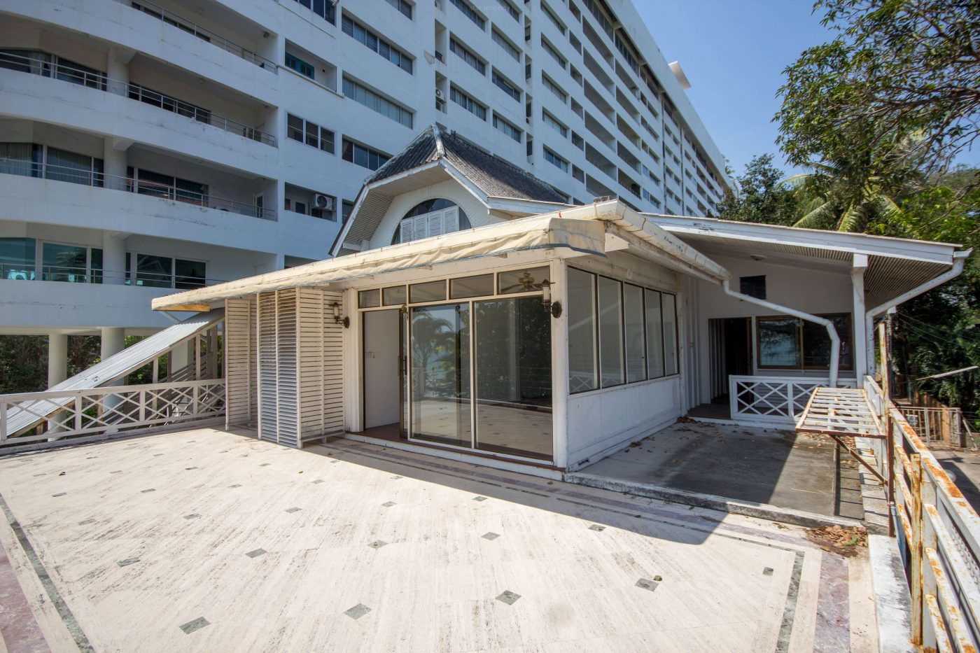 Commercial Building on beach for Rent at Hua Hin