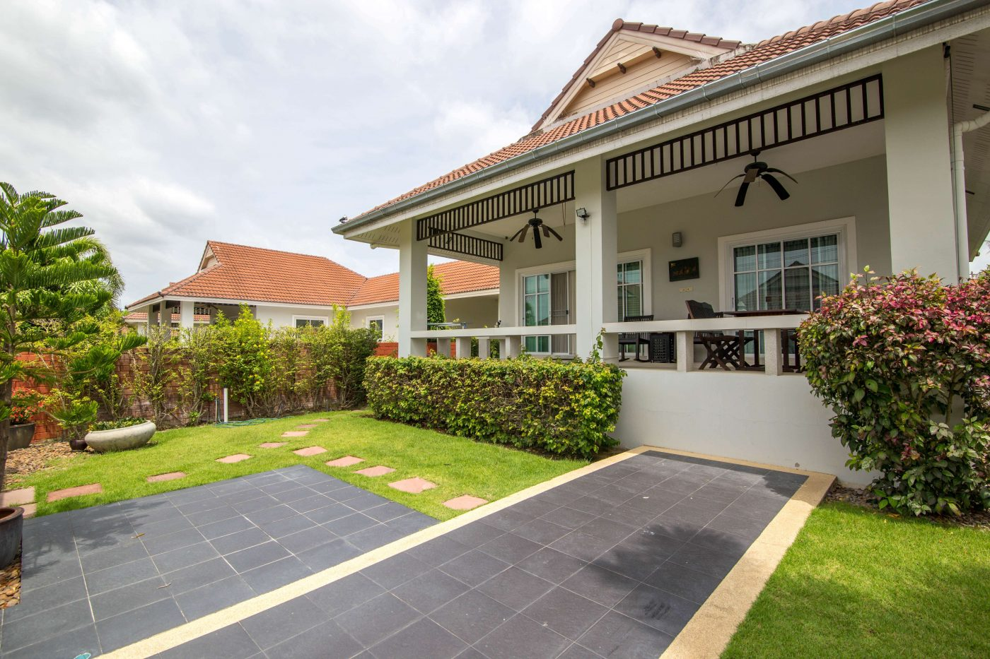 2 Bedrooms Villa for Rent at Smart House Village Soi 88