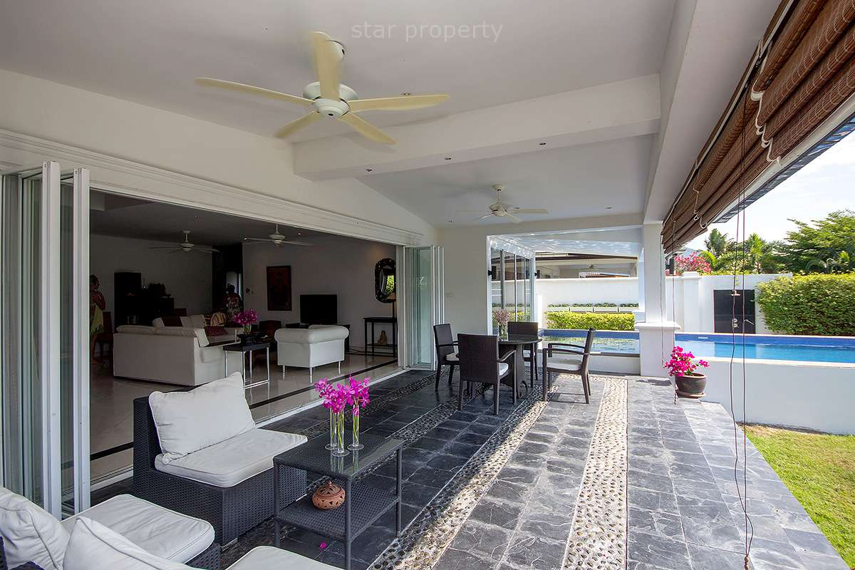 town center large pool villa for rent