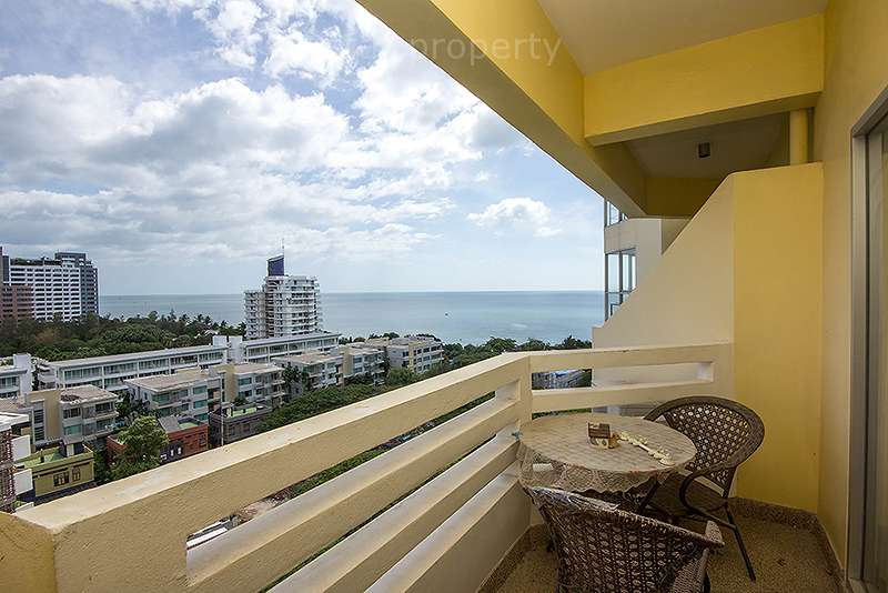 Sea View Studio with Balcony at Chain Condo