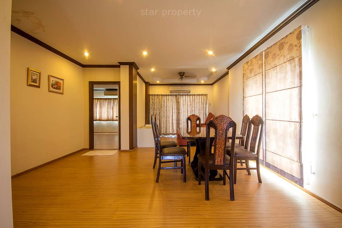 2 bedroom condo with swimming pool