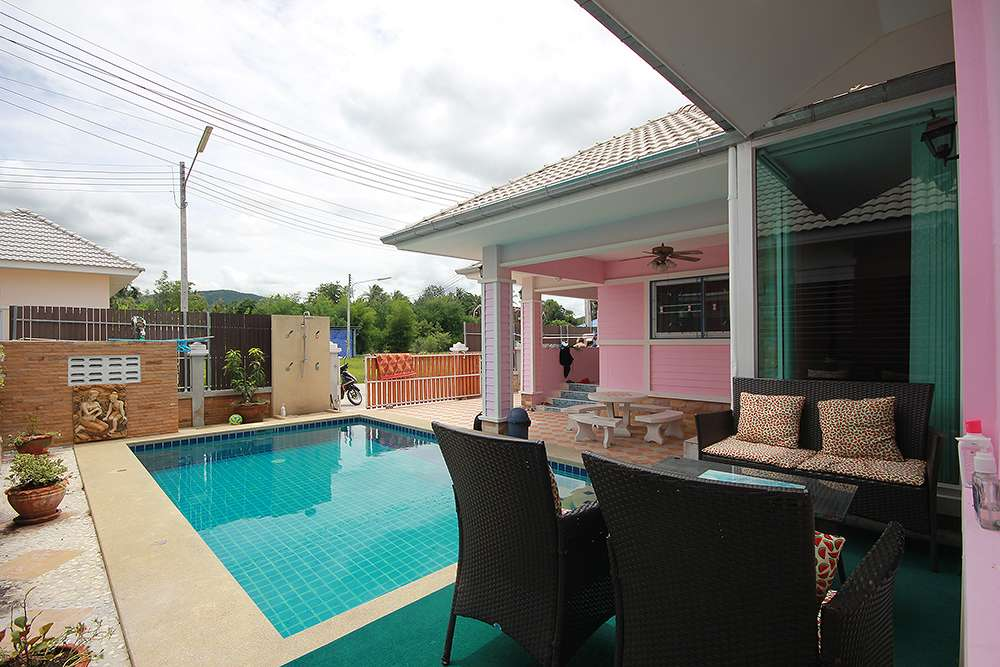 hua hin soi 6 Pool villa for rent good price