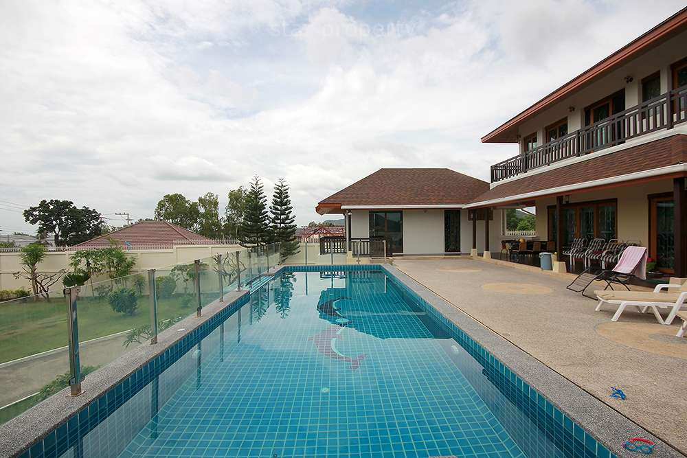 Pool Villa w/ Tennis Court for Rent at  Samorphong