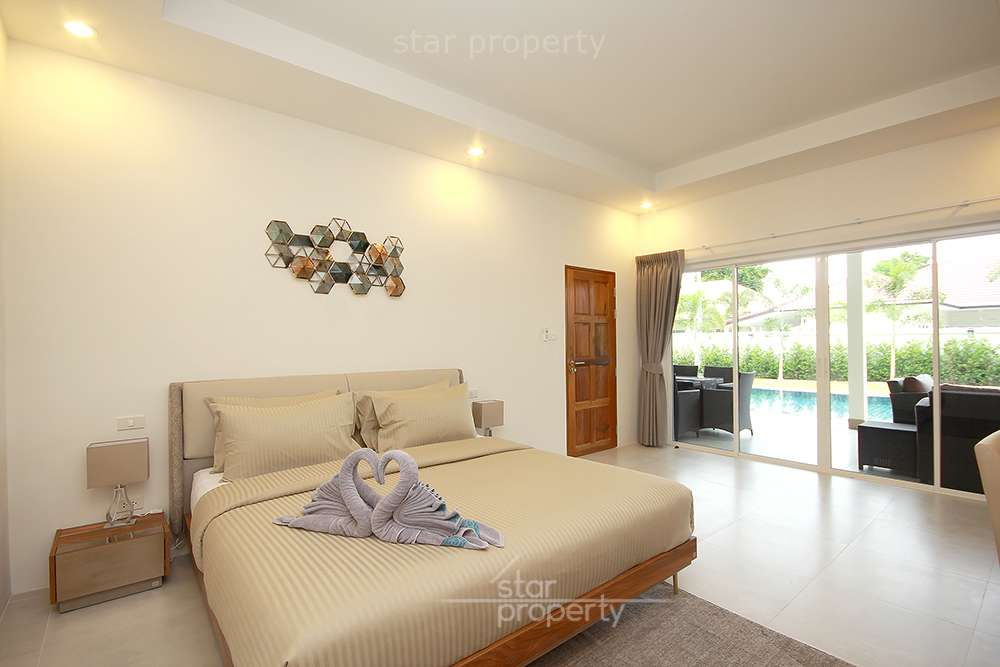 Bedroom in nice pool villa for rent