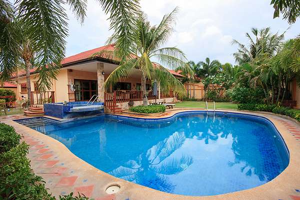 Soi 116 Luxury Pool Villa for sale at Crystal View