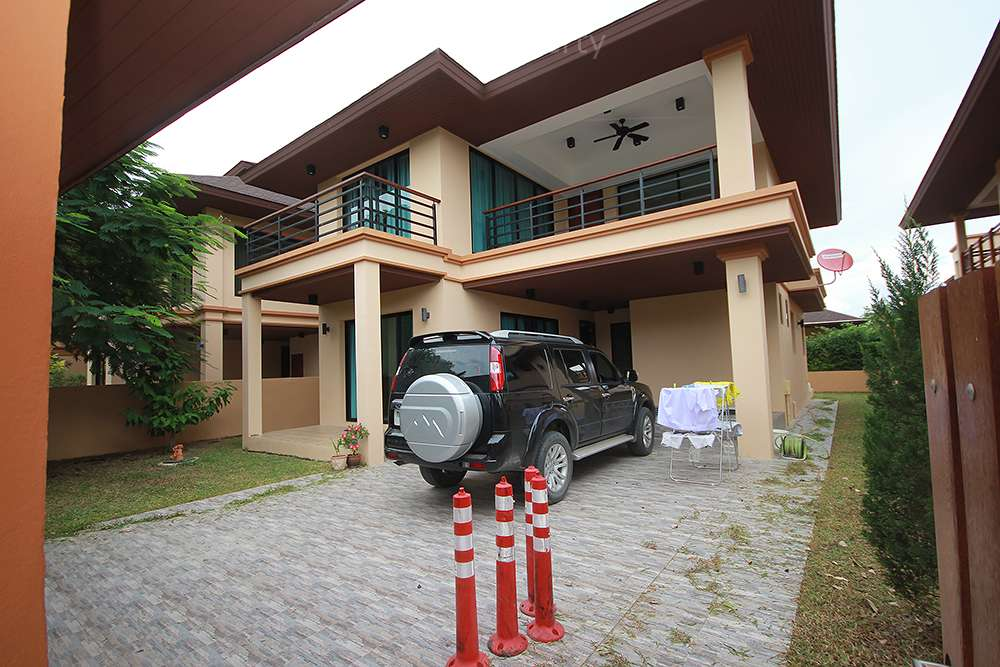 large 2 storey house for rent hua hin
