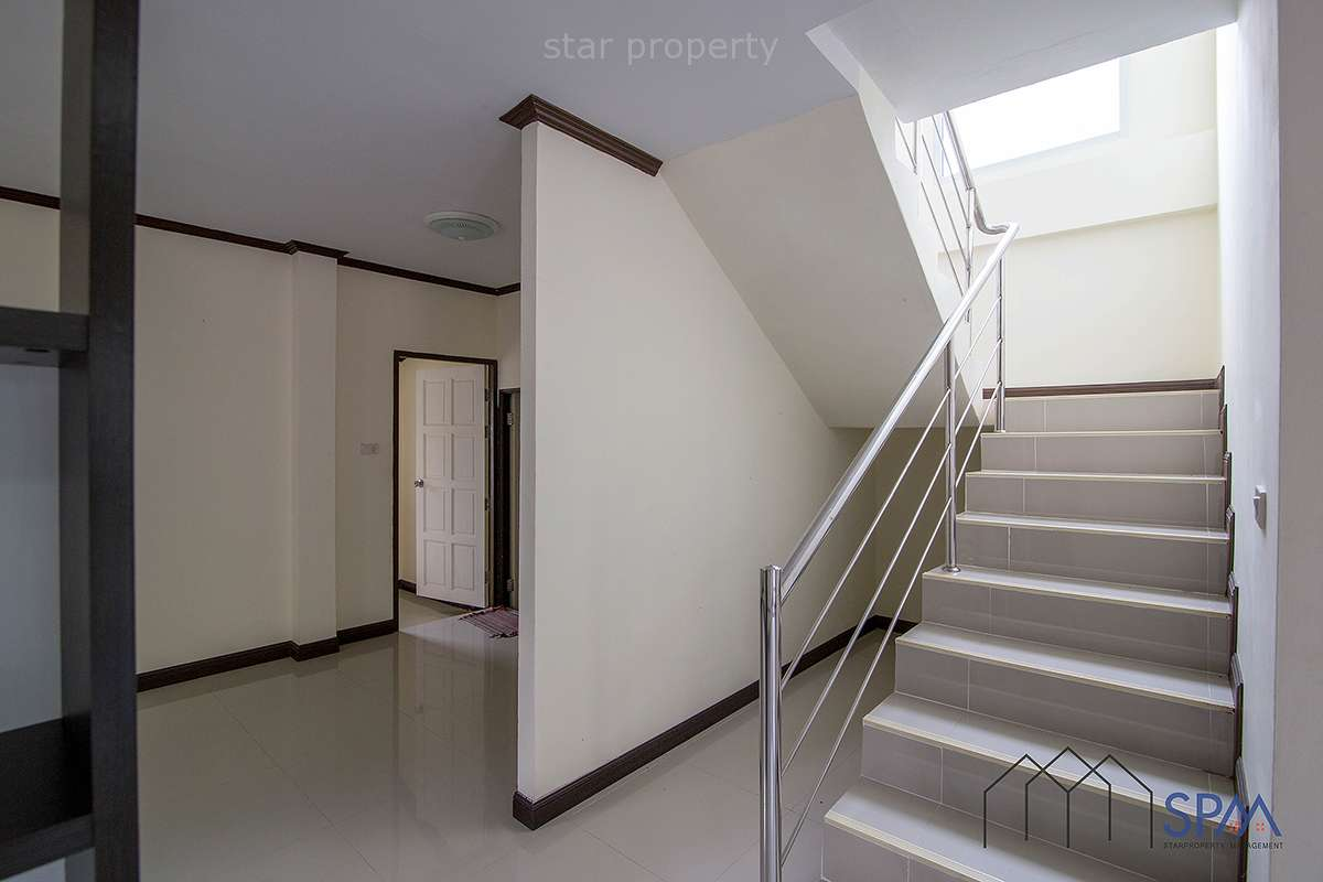 detached 2 storey house for sale