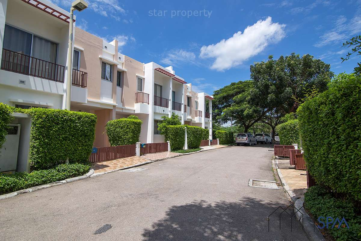 3 Bedroom Townhouse for sale at Boat House