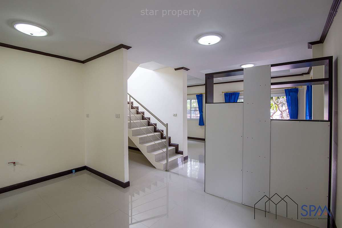 Hua Hin near center 2 storey house for sale