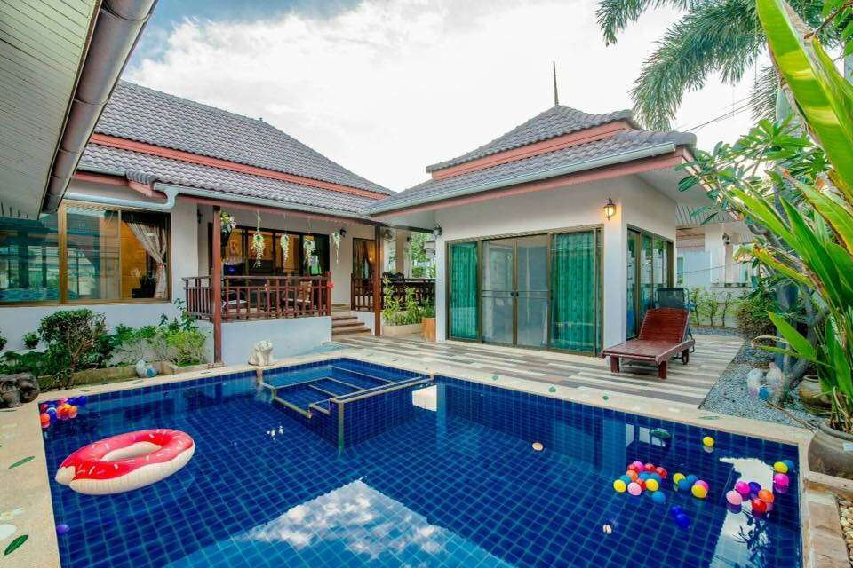 Bungalow for Rent with Private Pool at Baan Araya