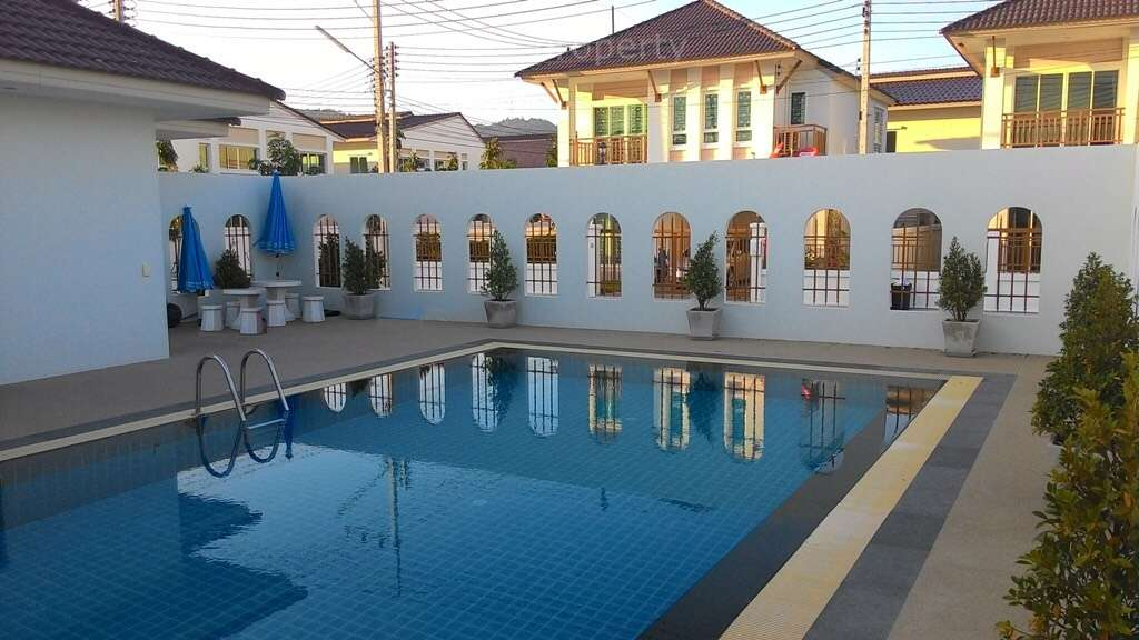 City Center 4 Bedroom Pool Villa at Soi 94