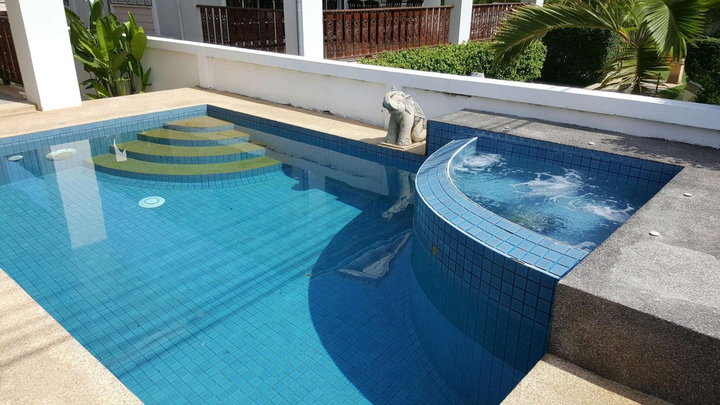 Nice pool villa house for rent