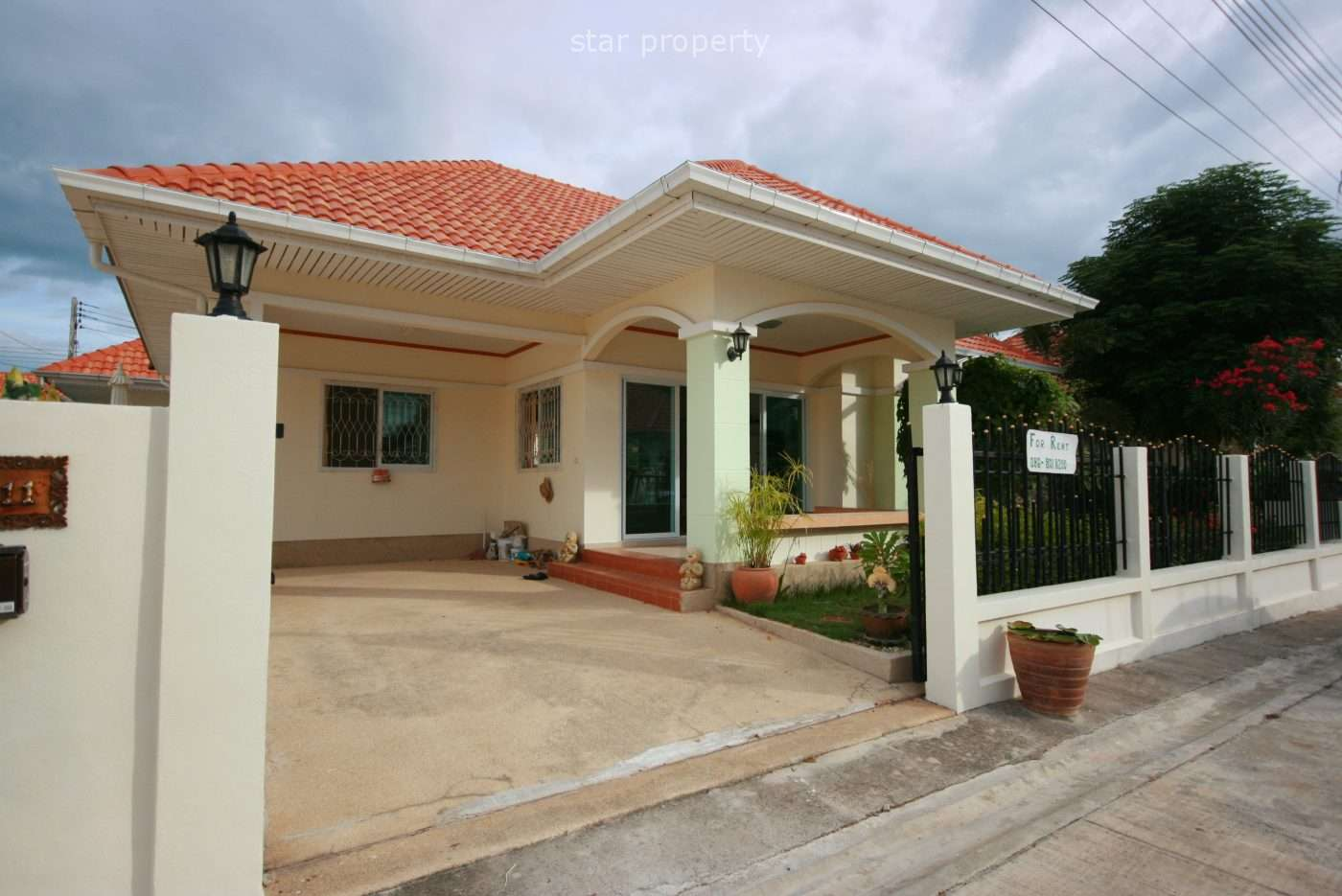 Small Bungalow Near Town for Rent at Small Bungalow  Soi 102