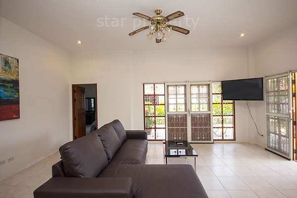 3 bedroom Villa near town for sale