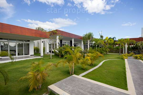 Modern Design Luxury Pool Villa For Rent at Green Scape soi112