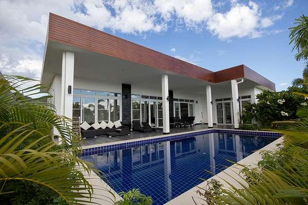 Modern Design Luxury Pool Villa For Rent