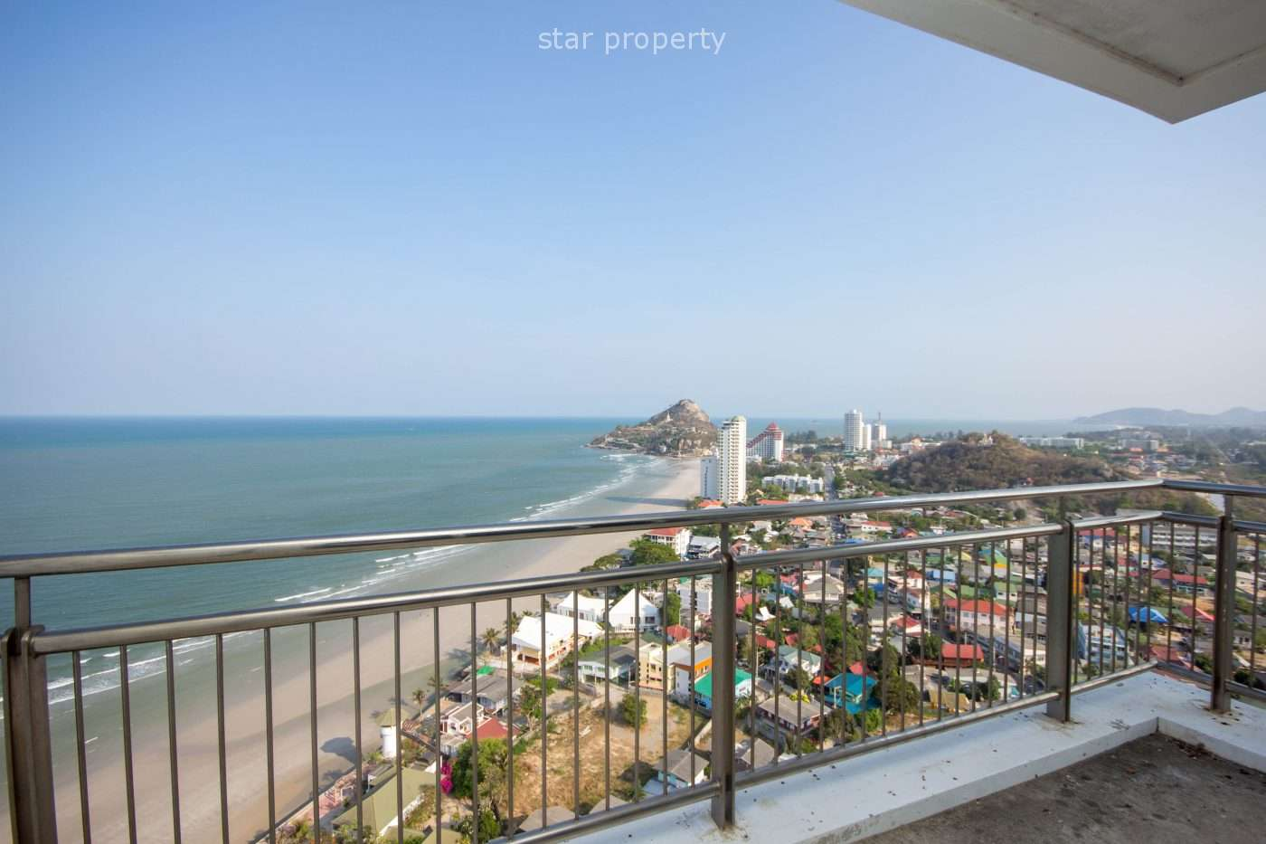 Large 329 sq.m. condo for Sale at Baan Lonsai