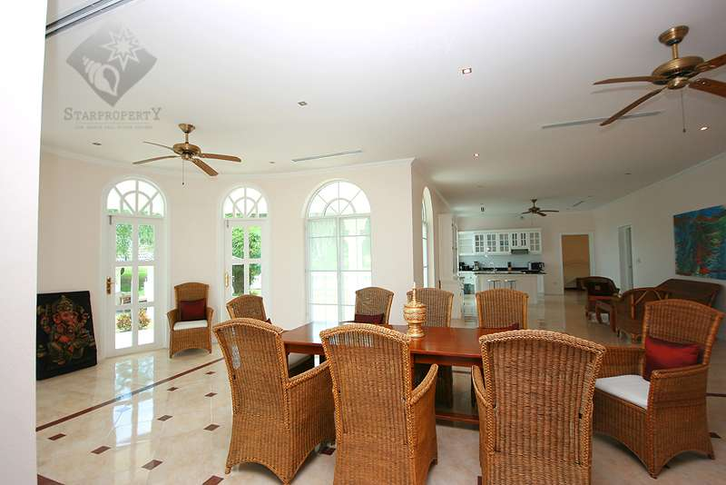 Nice Breeze 2 Villa for rent at  The house is located in soi 6