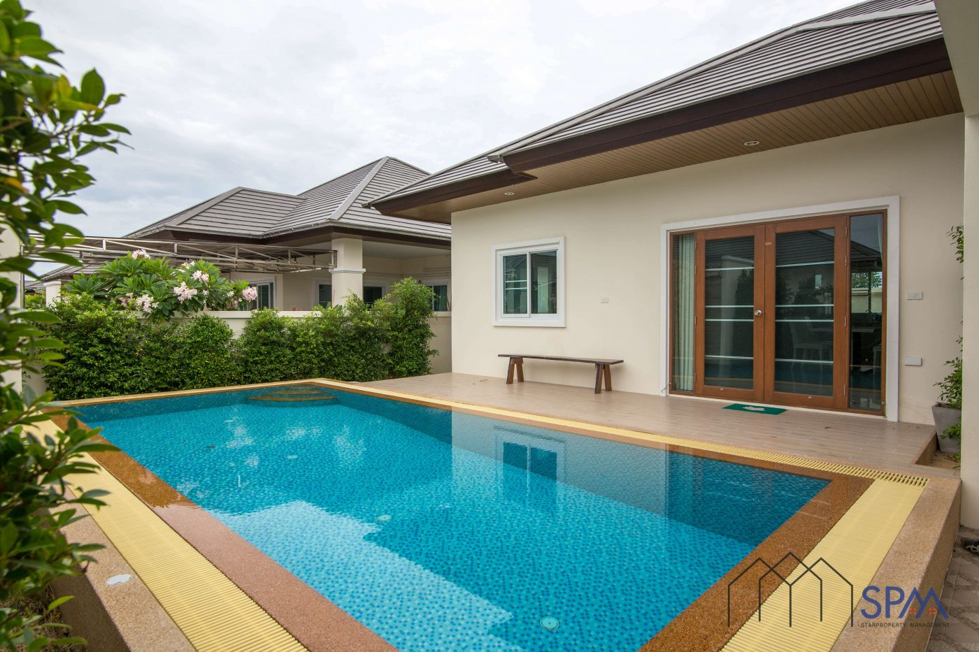 Modern Pool Villa for Sale at Nice Breeze 7