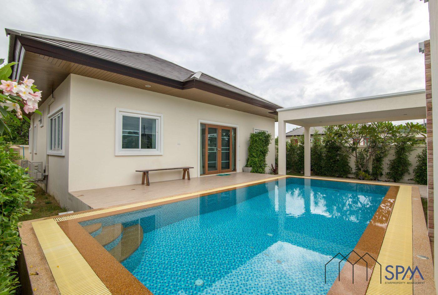 villa with garden for sale