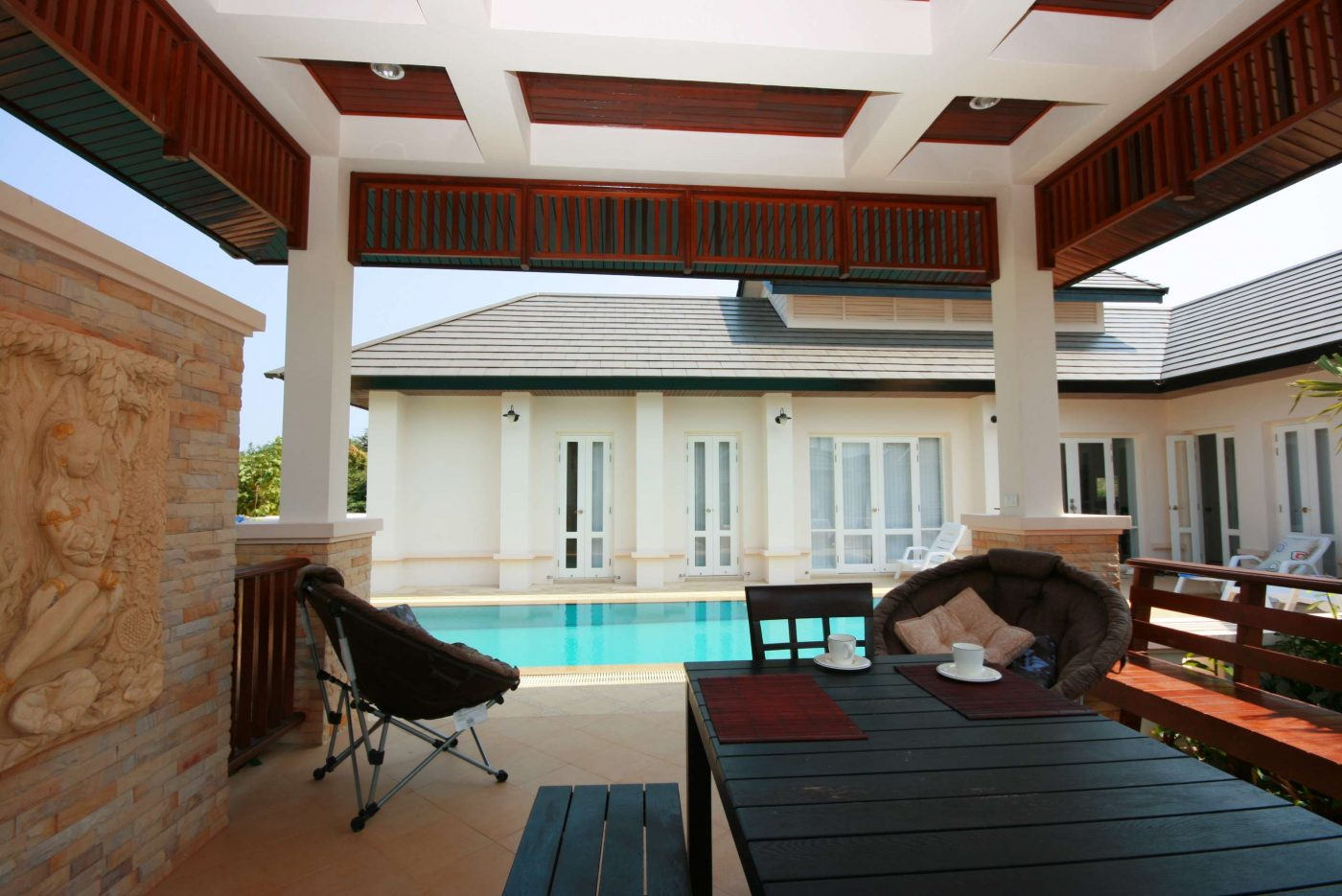 hua hin near makro villa for sale