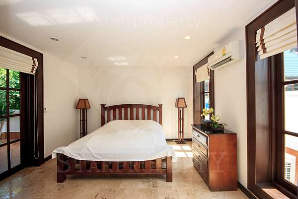 3 badroom Villa near town for rent