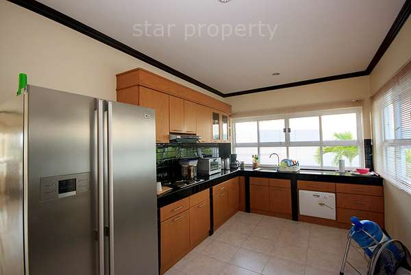 Built-in kitchen villa for rent good price