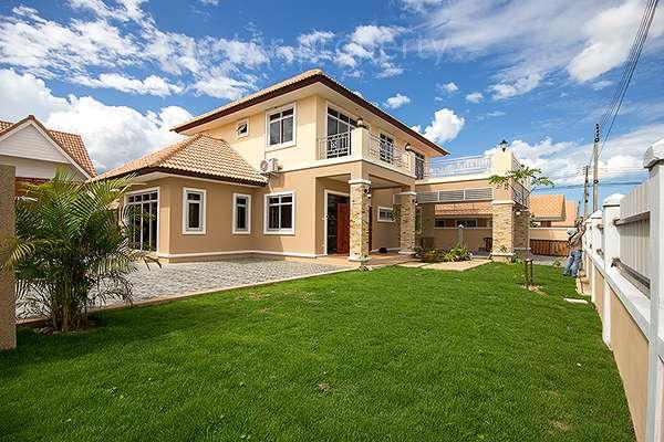 Two Storey House for Rent at Dusita Hua Hin Soi 112