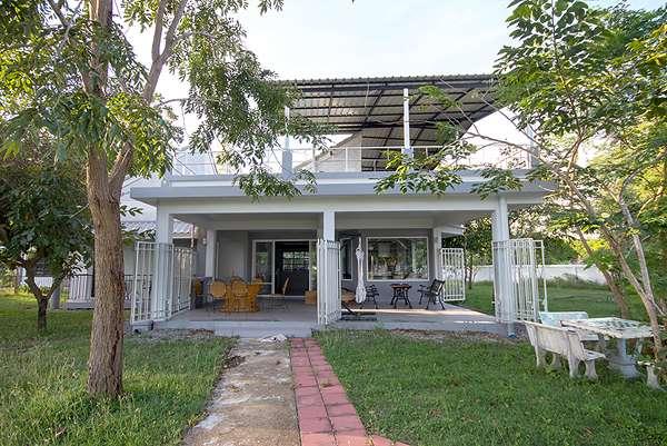 2 Bedroom House on 1 Rai for Rent at Khao Tao Lake Soi 101