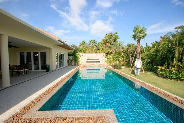 Luxurious House For Rent Hua Hin Soi 88 at The house is located in soi 102