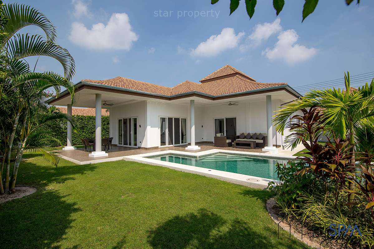 Beautiful pool villa near golf for Sale