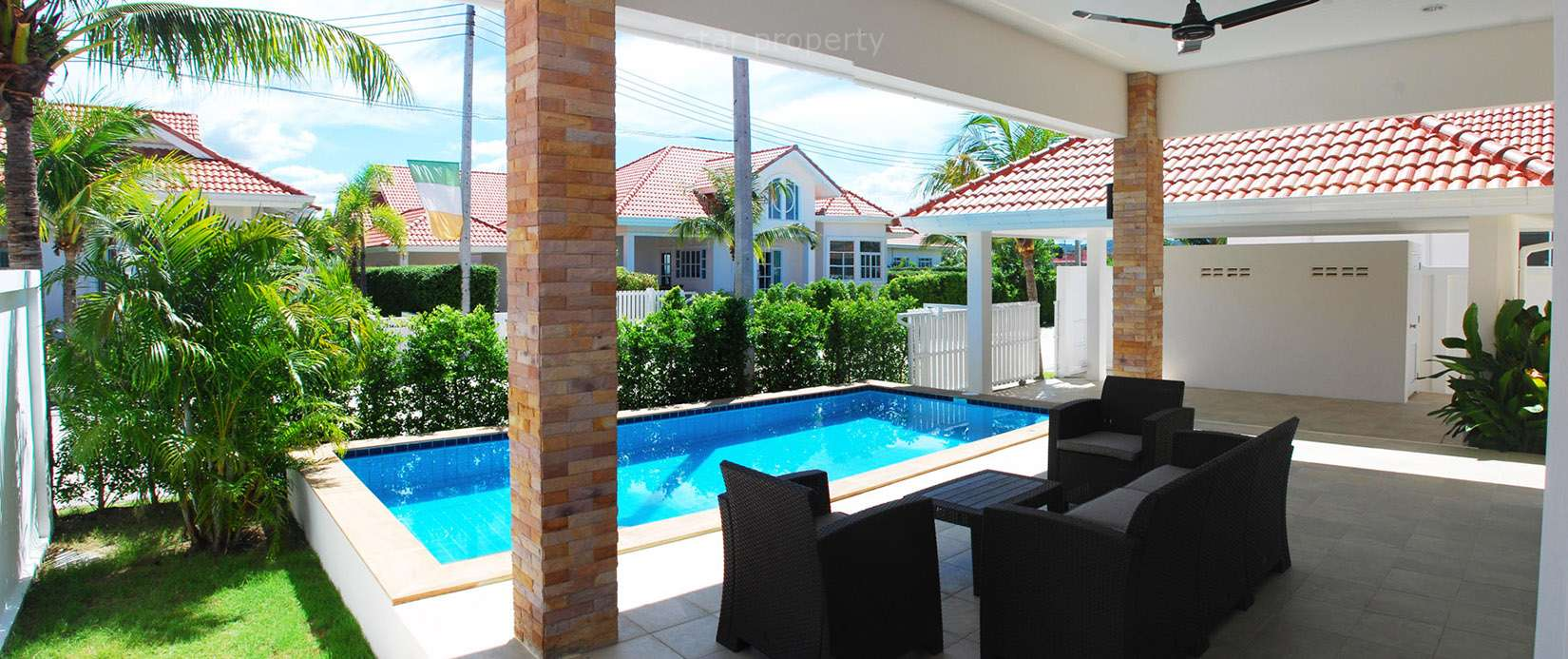 2 bedroom Villa with pool for rent